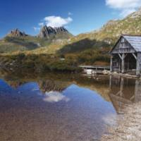 The iconic Cradle Mountain and boat shed at Dove Lake | Adrianne Yzerman